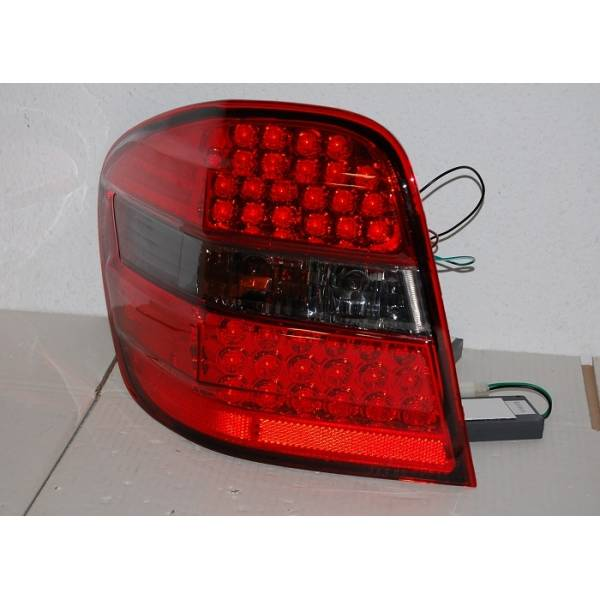 MERCEDES ML W164 FANALI POSTERIORI A LED '06 AFFUMICATO