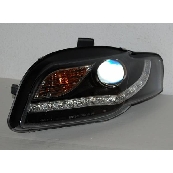 HEADLIGHTS AUDI A4 05-08 FLASHING LIGHT DAY. LED BLACK
